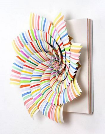simple but beautiful rotating paper art design swan