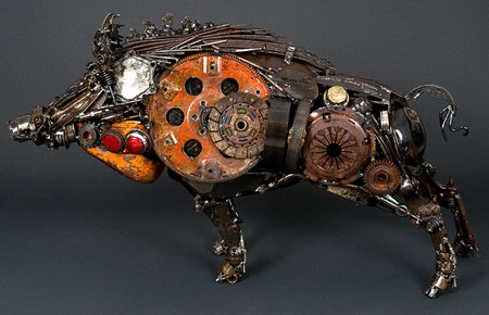 Arts Built On Scrapped Car Parts