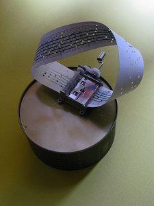 Interesting Möbius Strip Music Box