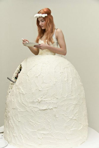 Wear it and Eat it - Awesome Cake Dress