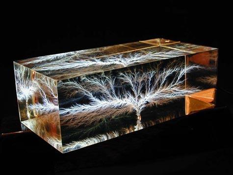 Capture Lightning - Lichtenberg Figures