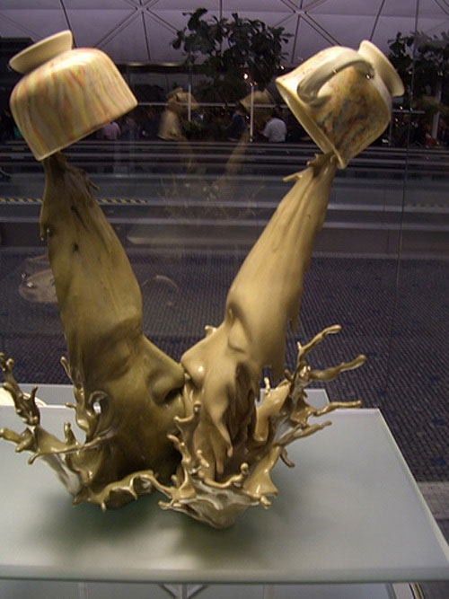 Amazing Coffee Kiss Sculpture