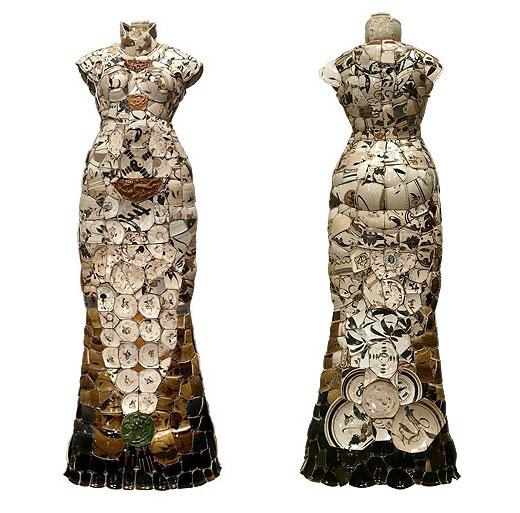 Clothing out of Broken Porcelain, Fragile Beauty