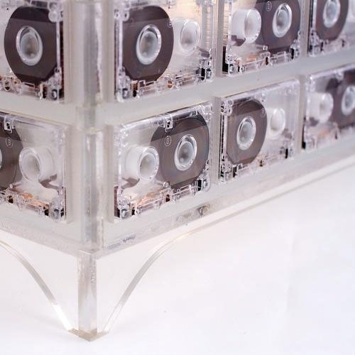 Creative Tape Lamp: 100 Micro Cassettes is All You Need