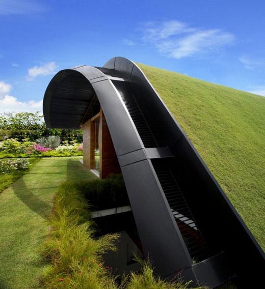 Meera House: Inspiring Rooftop Garden House in Singapore