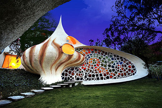Beautiful and Wonderful Shell-shaped House in Mexico