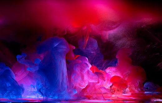 Stunning Photographs of Paint Dropped into Water