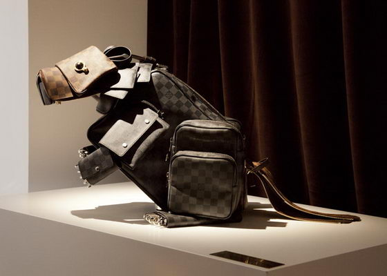 Luxurious Art: Animal Sculptures Created with Louis Vuitton bags