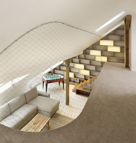 Beautiful and Elegant Rounded Loft Design in Prague