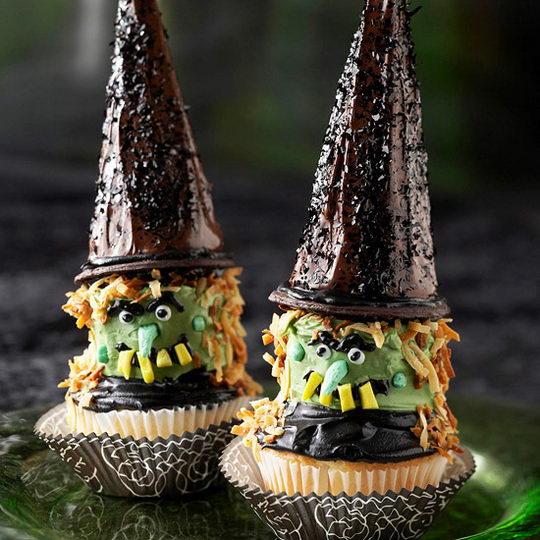 21 Creepy and Unusual Halloween Cupcakes