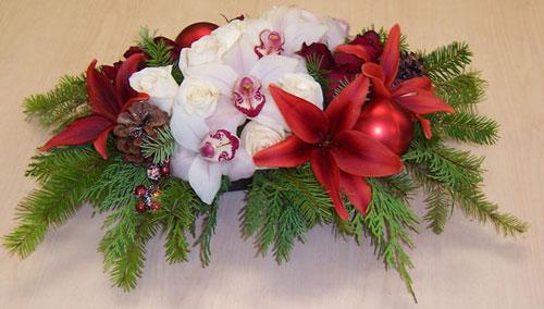 20 Beautiful and Elegant Christmas Centerpiece Ideas