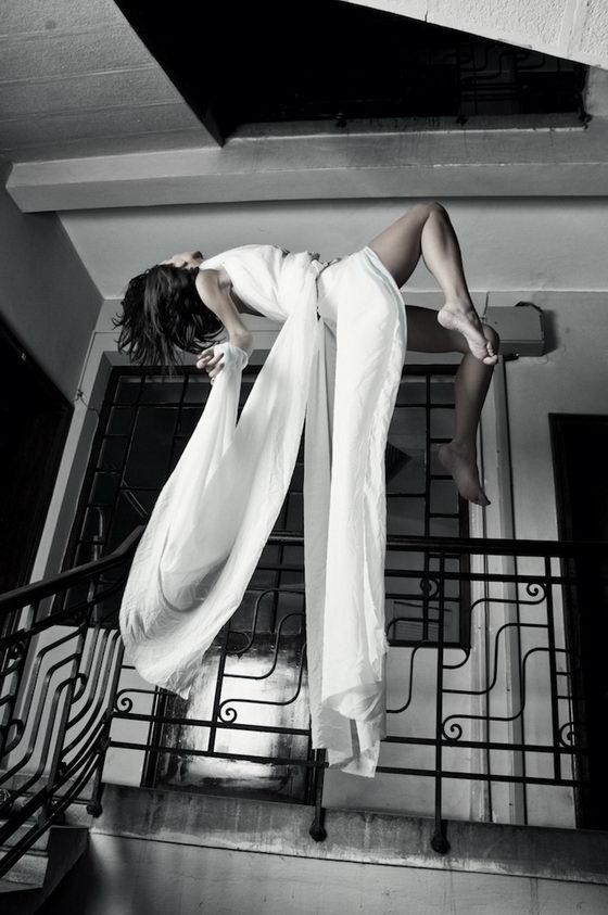 Mind-blowing Anti-gravity Photography by Mina Sarenac