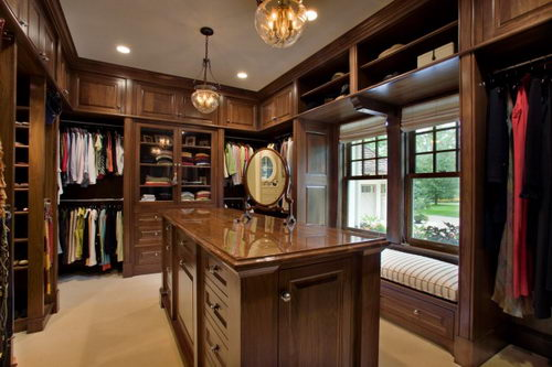 Home inspiration 32 beautiful and luxurious walk in for Great closets