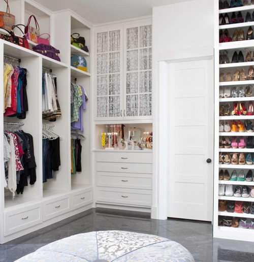 Home inspiration 32 beautiful and luxurious walk in - Walk in closet design ideas plans ...