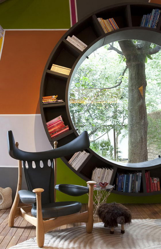 Round Window Bookcase: a Perfect Place for Reading