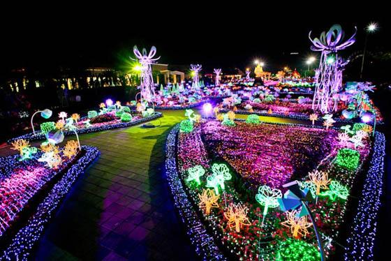 Sea of Lights: The Imagination Light Garden in Thailand ...