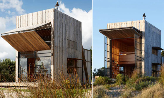Whangapoua Sled House: Small and Smart Movable Hut for Holiday Retreat