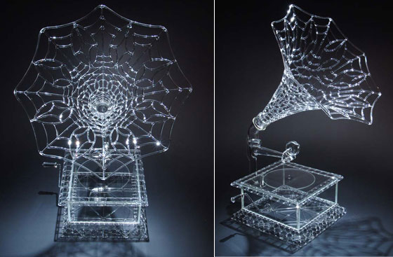 Amazing Glass Sculptures with Incredible Details by Robert Mickelson