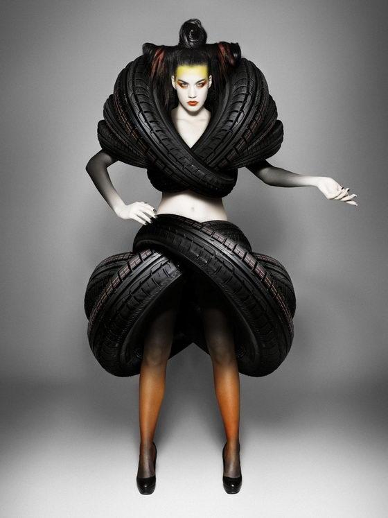 Creative Treadwear:Turn Car Tire into Fashion