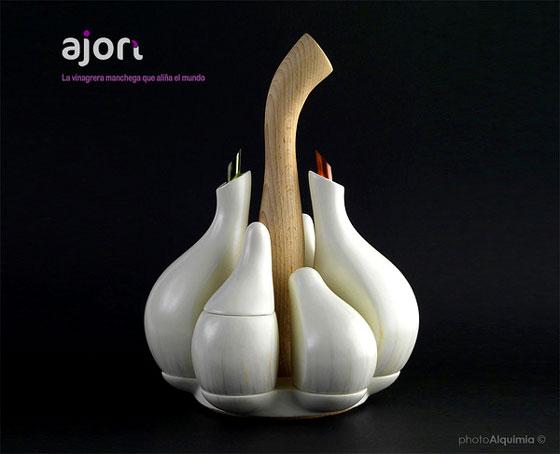 AJORÍ: Elegant Cruet Design Inspired by the Form of Garlic