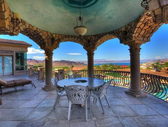 Nevada Mansion Backyard Water Park : Spectacular Mansion with its own backyard WATER PARK ? Design Swan