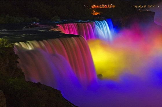 Fabulous Niagara Falls Light Show