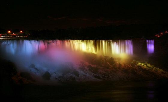 Fabulous Niagara Falls Light Show