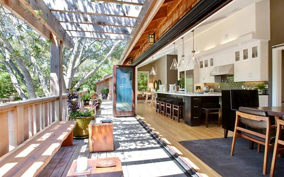 Resort-like Residence Stuns With Open Kitchen and Beautiful Surrounding