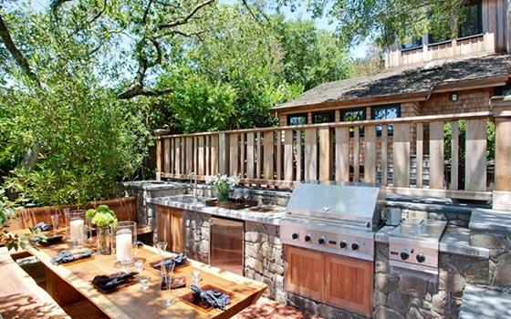 Resort-like Residence Stuns With Open Kitchen and Beautiful Surrounding