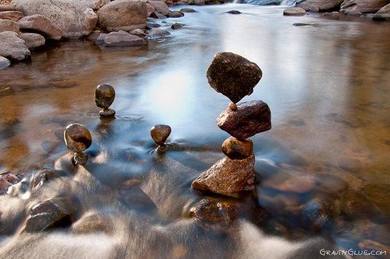 Gravity Glue: Astonishing Balanced Rock Sculpture by Michael Grab