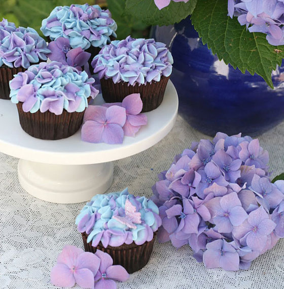 18 Creative Cupcake Decorating Designs