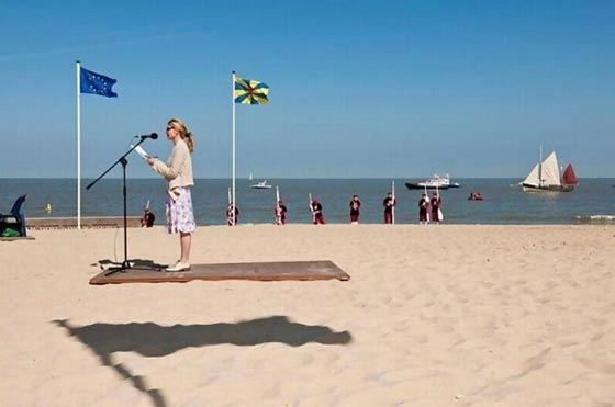 Optical Illusion: 21 Perfectly Timed Photos