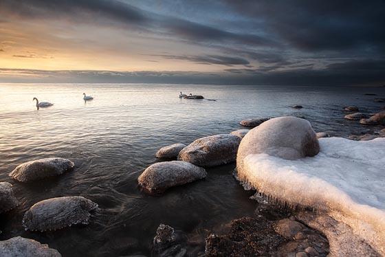 Incredible Photography of Frozen Lake Shore