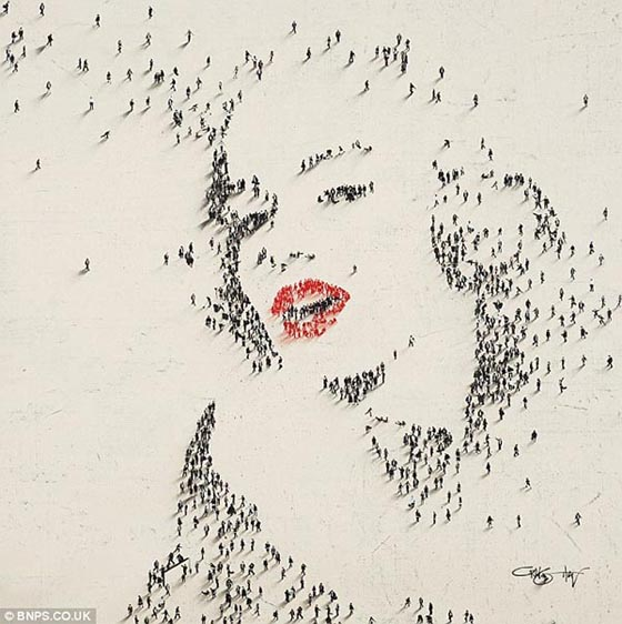 Aerial Portraits Of Celebrities Using Hundred of People as Pixel