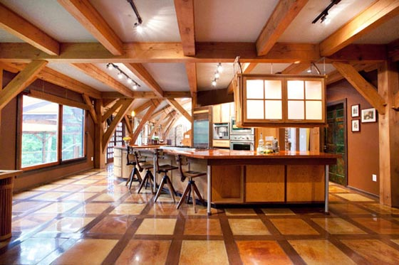 Unique Timber-Framed House Effortlessly Fuse Modern and Old World Styles