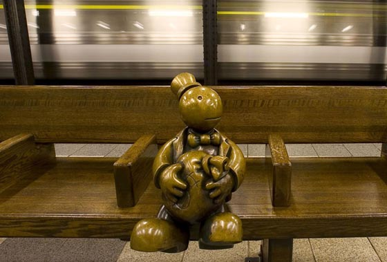 Life Underground: 100 + Whimsical Bronze Sculptures Occupy the NYC Subway