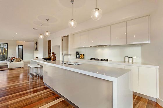 Luxurious while Cozy House in Melbourne