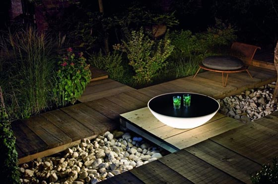 Solar: a Multi-functional Solar Lamp and Coffee Table