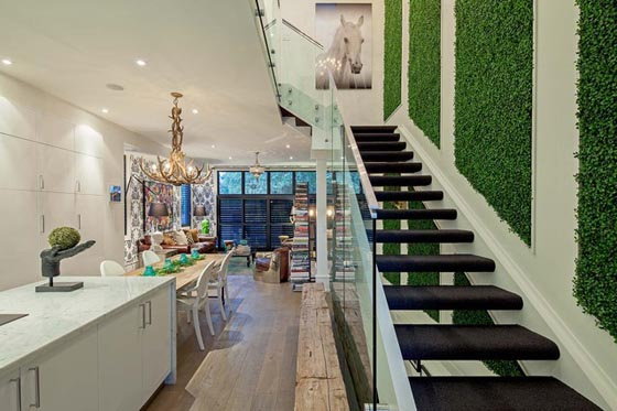 12 Cool Ideas to Have Living Wall at Home