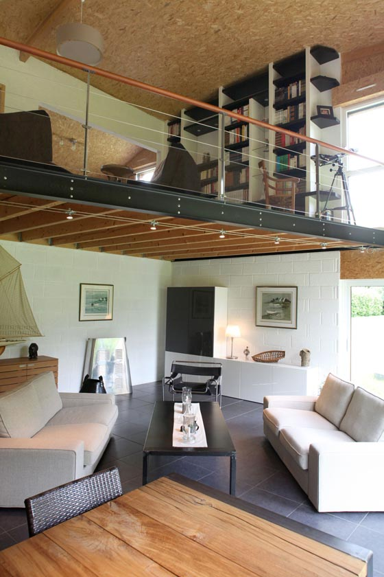 5 creative examples of utilizing mezzanine space design swan - Loft met mezzanine ...