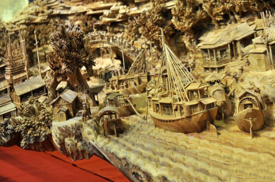 Magnificent World's Longest Wooden Sculpture by Chinese artist Zheng Chunhui
