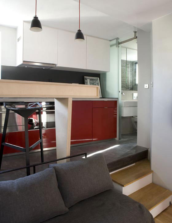 Small Apartment Built on 130 Square Feet Surface