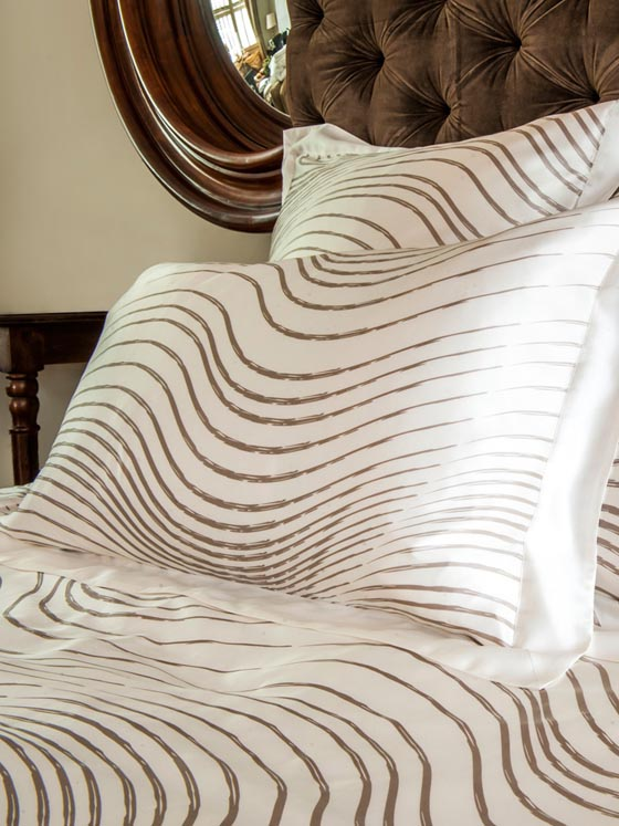 Silk Bedding: Comfortable and Luxurious Bedding Experience