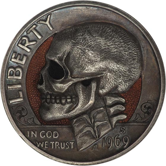 Amazing Miniature Sculpture Carved Into Coin by Paolo Curcio