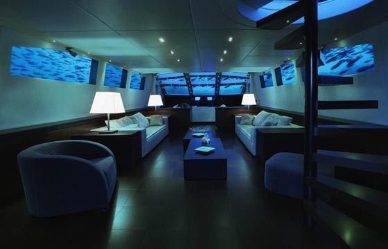 Lovers Deep: Luxury Submarine Trip for a Romantic Getaway