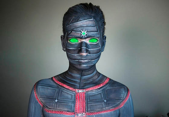 Self-Taught Makeup Artist Turn Herself Into Pop Culture Characters