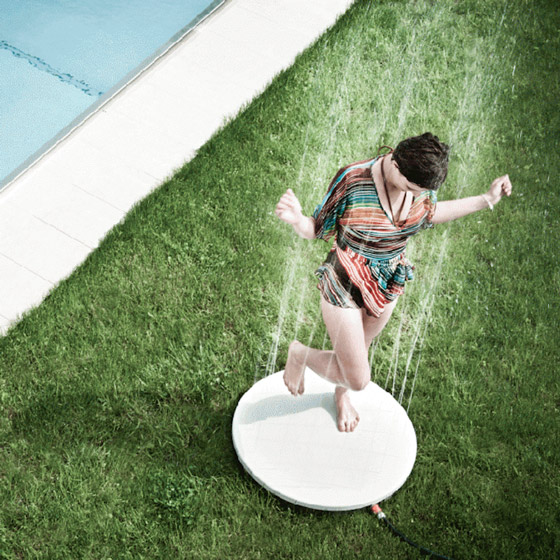 VITEO Outdoor Shower: Enjoy a Burst of Summer Rain Right in your Garden