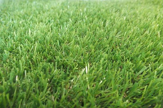 Grass on Dinning Table: Artificial Grass Table Runner