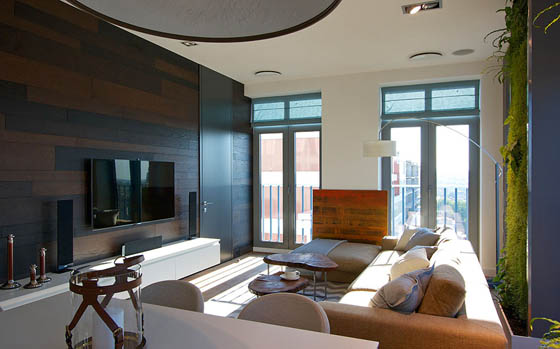 Beautiful Apartment with Luminous Vertical Gardens