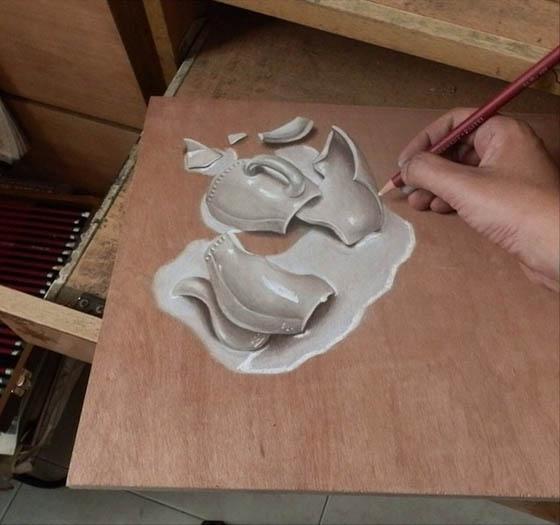 Hyper-realistic Pencil Art on Wood By Ivan Hoo
